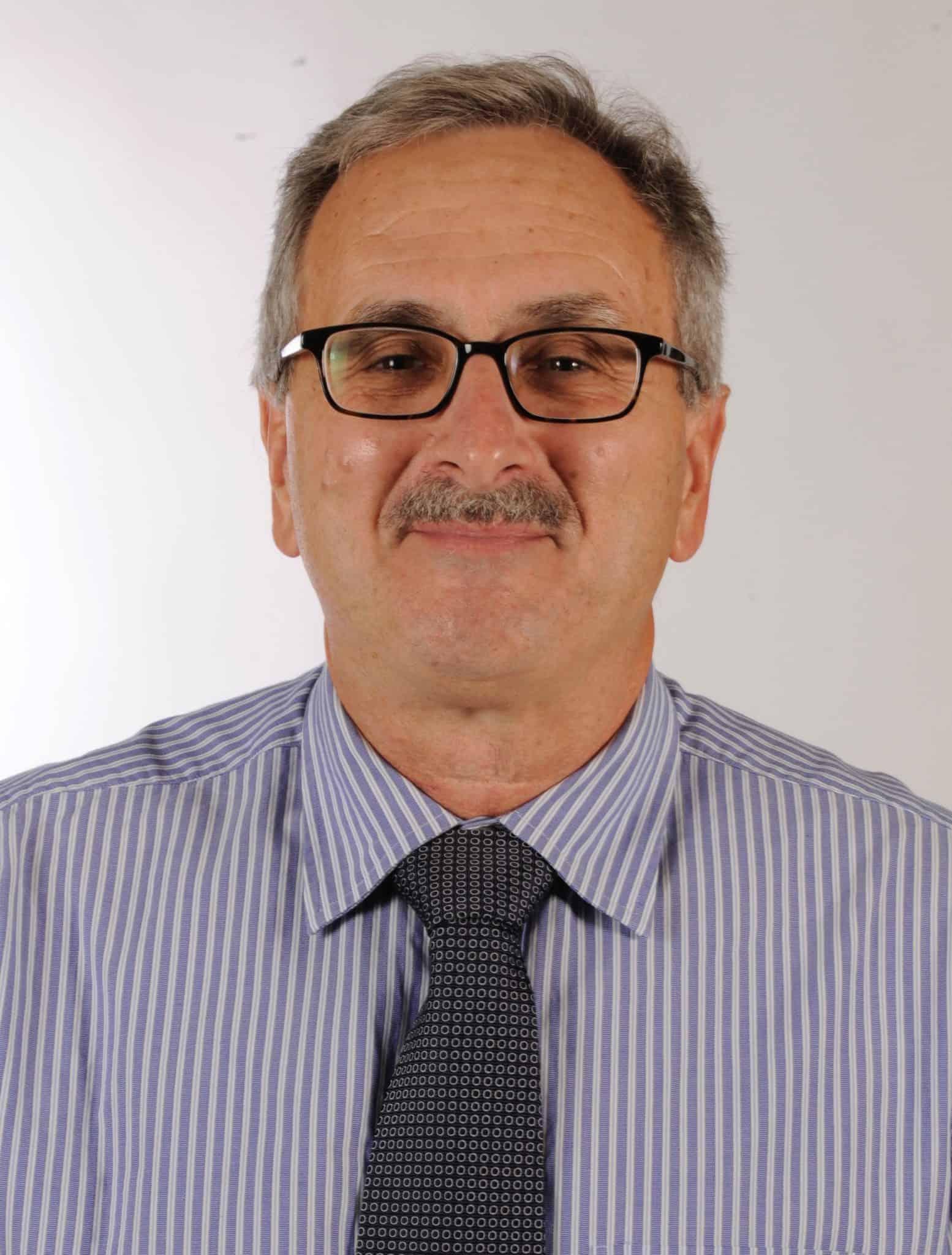 Dr. Frank Simmen