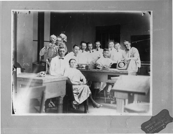 Gross_Anatomy_Dissecting_room_Old_State_House_c1922